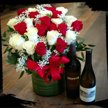 Red & White Roses and Red & White Wine!