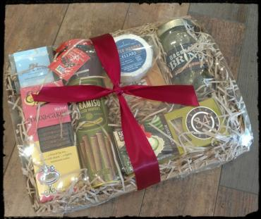 Cheese & Savory Gift Tray