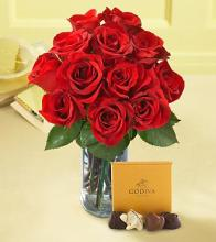 Red Rose Vase Bouquet with Chocolates