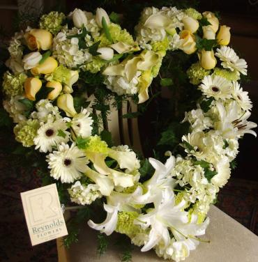 Mono-chroma Ivory Heart Wreath