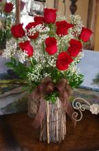 Fall Grapevine Vase of Roses