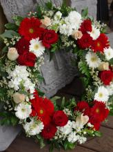 WREATH IN RED AND WHITE