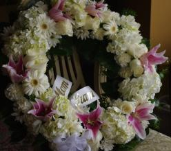 Grand wreath in ivory and blush