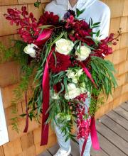 Large Nest Bride\'s Bouquet, Burgundy